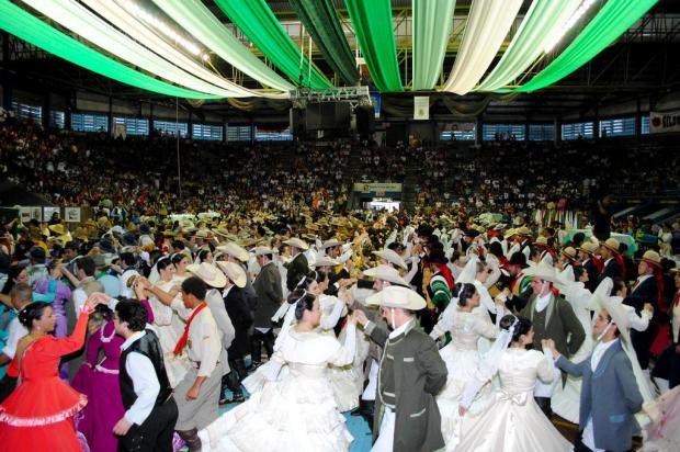 CTG Rancho da Saudade, de Cachoeirinha, vence as Danças Tradicionais no Enart Cesar Lopes/Especial