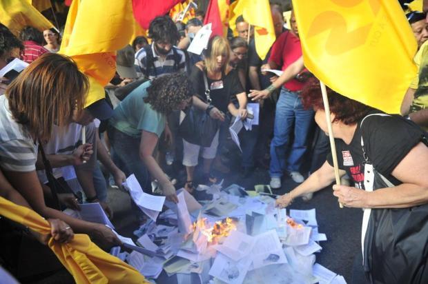 Cpers põe fogo em cartilhas com detalhes sobre a reforma do Ensino Médio Tadeu Vilani/Agencia RBS