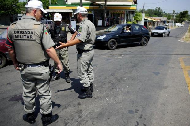 Policiais paranaenses que mataram sargento têm prisão decretada Marcelo Oliveira/Agencia RBS