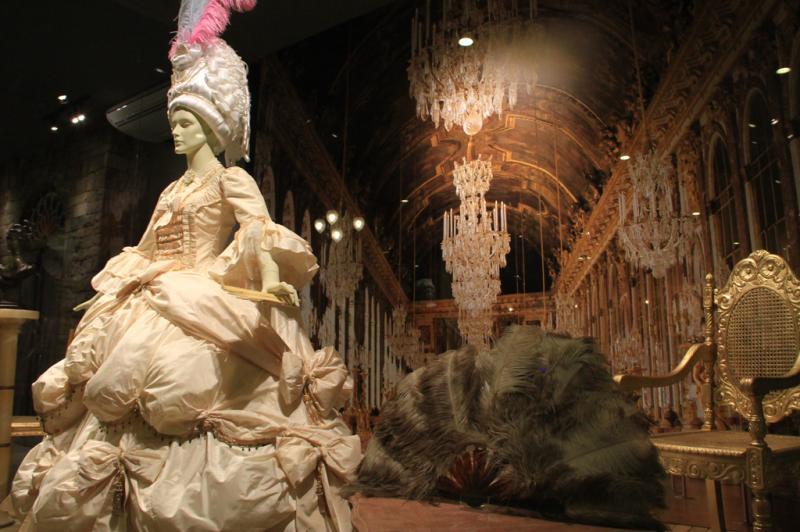 Réplica do vestido da rainha Maria Antonieta faz parte da exposição:imagem 8