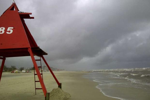 Litoral Norte deve ter chuva desde a manhã deste sábado até a virada do ano Marcelo Rech/
