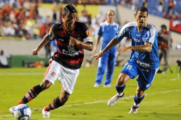 Léo Moura prevê dificuldade em Potosí para o Flamengo Daniel Zappe/VIPCOMM