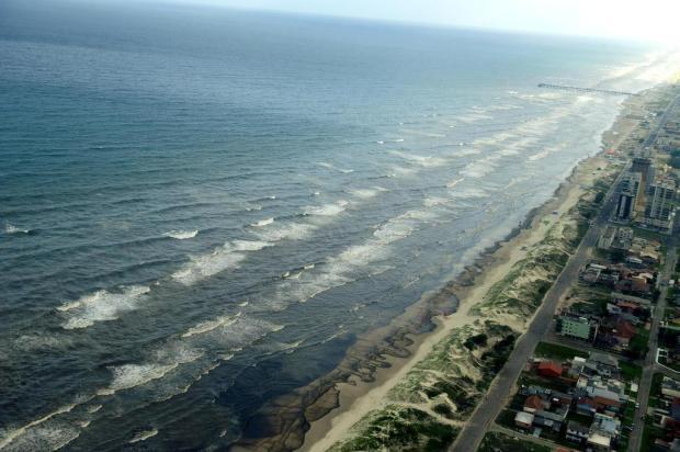 Vazamento de óleo em Tramandaí pode ser o maior no Estado nos últimos 10 anos Lauro Alves/Agencia RBS