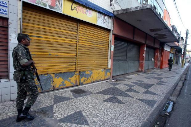 Ministro da Justiça acompanha ação das Forças Armadas na Bahia LÚCIO TÁVORA/AGÊNCIA A TARDE/AE