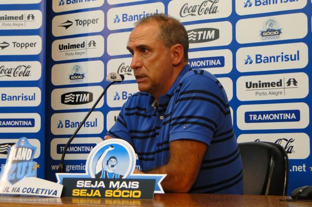 Médico confirma lesão e afastamento de Mário Fernandes e de Julio Cesar  Adriano de Carvalho/