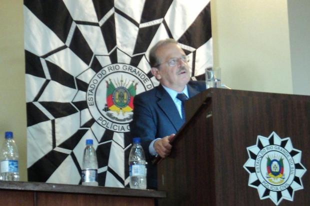 Tarso promete calendário de reajuste para servidores da Polícia Civil ainda em fevereiro Divisão de Comunicação Social/Polícia Civil