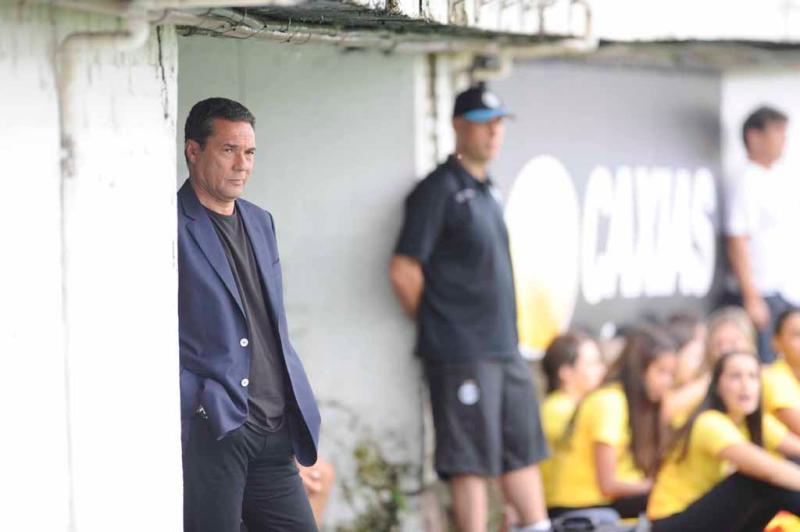 A partida marcou a estreia do técnico Vanderlei Luxemburgo:imagem 4