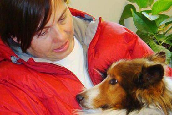 Dona encontra cachorro perdido há 53 dias no deserto de Nevada, nos Estados Unidos Shannon Sustacha/AP