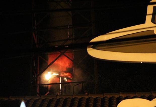 Lanchonete da Cidade Baixa é evacuada após fogo em chaminé  Francielle Caetano/Agência RBS