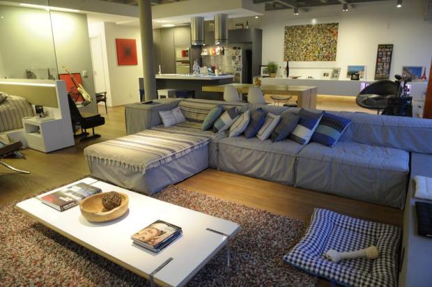 Cozinha de loft tem o mesmo tratamento do living de um apartamento convencional Adriana Franciosi/Agencia RBS
