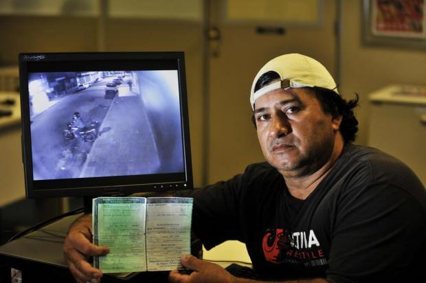Vídeo: câmeras flagram furto de moto em Sapucaia do Sul Marcelo Oliveira/Agencia RBS