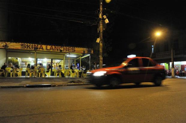 Homem atira em ex-namorada e mais três pessoas em bar da Capital Mateus Bruxel/Agencia RBS