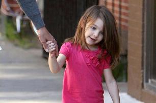 Criança pode usar sapato de salto? Divulgação/New York. Tel.: 1-212-582-0,INF