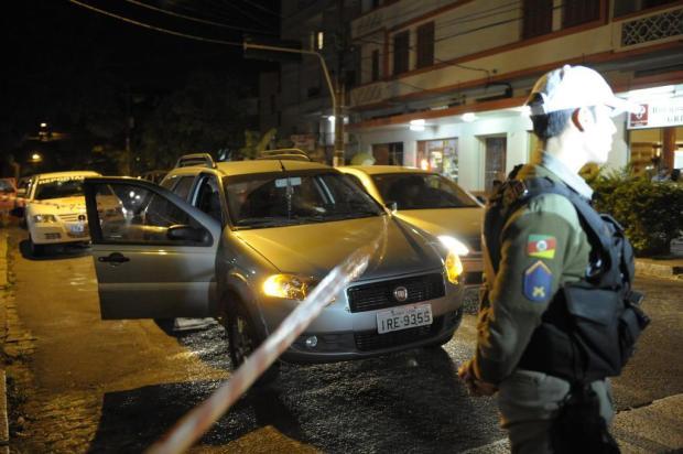 Capitã da BM reage a assalto e deixa os bandidos baleados em Porto Alegre Adriana Franciosi/