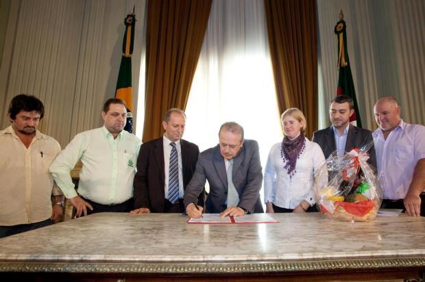 Agricultores gaúchos serão beneficiados com cartão estiagem Caco Argemi/Palácio Piratini/Divulgação