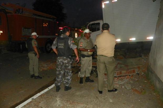 Caminhão desgovernado mata avô e neta em Novo Hamburgo Brigada Militar/Divulgação