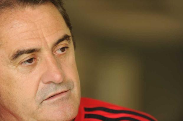 """""""Acho que a CBF errou. E ela não vai ceder"""", diz Novelleto sobre caso Brasil-Pe Fernando Gomes/"""