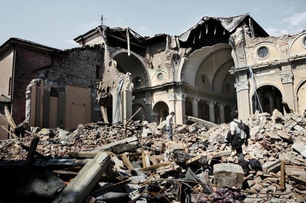 Após terremoto, Itália avalia magnitude de danos a patrimônio cultural Marco Gualazzini/IHT