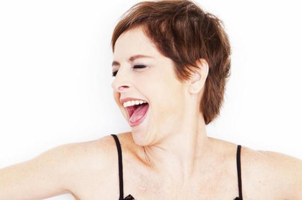 Após superar leucemia, atriz Drica Moraes apresenta peça em Porto Alegre 0/leo aversa