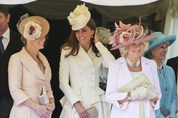 Uniforme: família real comparece a evento em tons pastéis PAUL EDWARDS/AFP