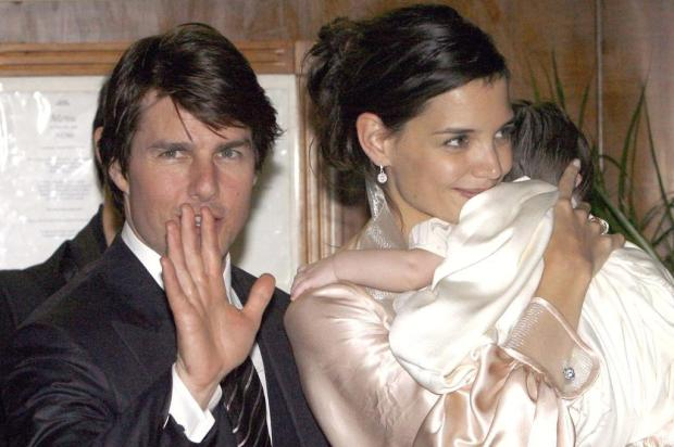 Sem Tom Cruise: Katie Holmes quer cuidar sozinha da filha Ver Descrio/Ver Descrio