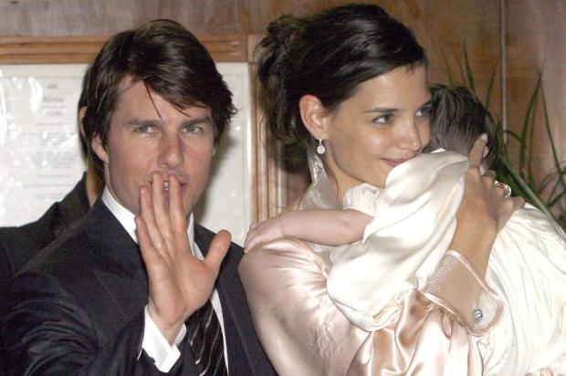 Sem Tom Cruise: Katie Holmes quer cuidar sozinha da filha Ver Descrição/Ver Descrição