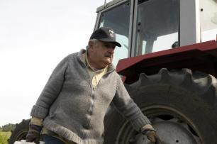 Pepe Mujica, entre o palácio e a horta /Matilde Campodonico/AP