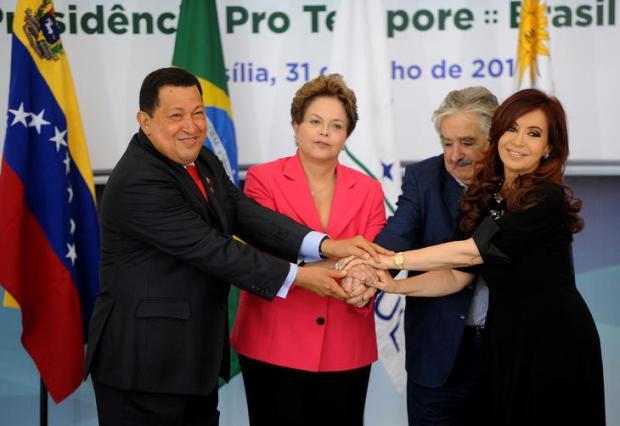 Os presidentes do bloco estão em Brasília, exceto o do Paraguai, país que está suspenso do Mercosul Foto: Pedro Ladeira / AFP
