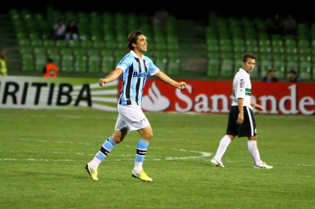 Grêmio perde para o Coritiba por 3 a 2, mas avança na Copa Sul-Americana Lucas Uebel, Grêmio/