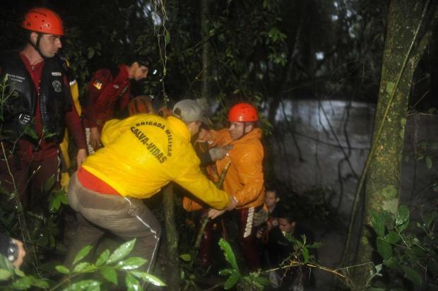 Bombeiros e índio que haviam desaparecido em arroio são encontrados com vida Bruno Alencastro/Agencia RBS