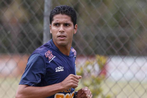 Sem chances no Cruzeiro, volante Willian Magrão volta ao Grêmio  Washington Alves, VIPCOMM /