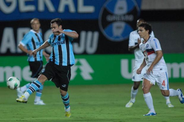 Grêmio apenas empata com o Bahia e vê São Paulo se aproximar na tabela Romildo de Jesus/Lancepress