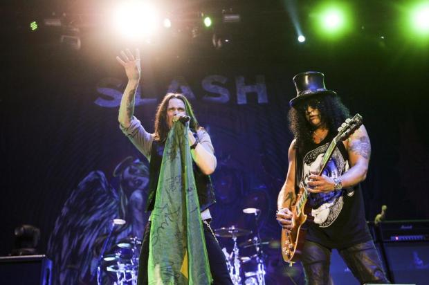 Myles Kennedy recria clássicos do Guns N' Roses nos shows de Slash Marcelo Justo/Folhapress