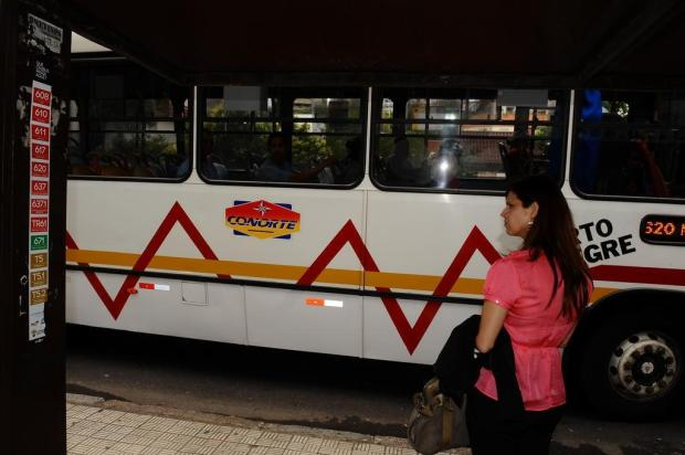 EPTC revê projeto dos adesivos nas paradas de ônibus da Capital Emílio Pedroso/Agencia RBS