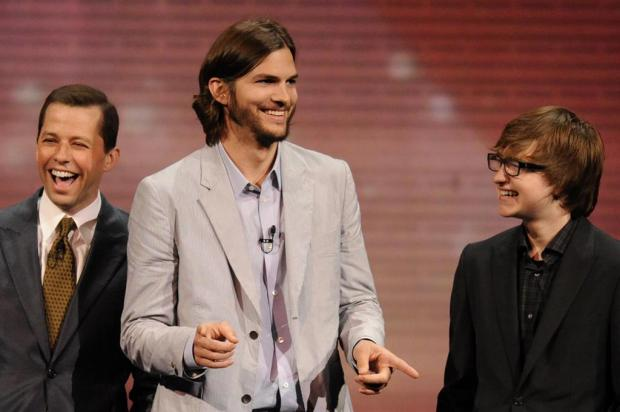 Ashton Kutcher pede a demissão de Angus T. Jones de 'Two and a Half Men', diz site CBS ENTERTAINMENT/divulgação