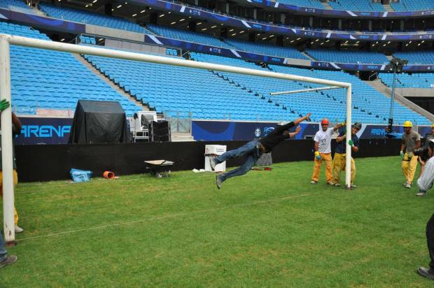 FOTOS: Arena recebe as traves que pertenciam ao Estádio Olímpico Rodrigo Fatturi/Grêmio FBPA/Divulgação/