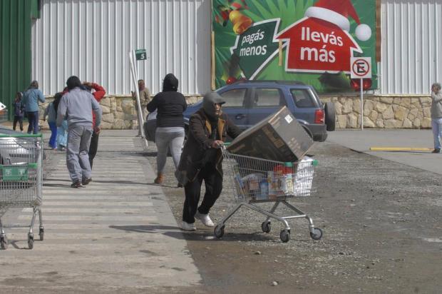 Piorou: Onda de saques se alastra na Argentina e deixa dois mortos