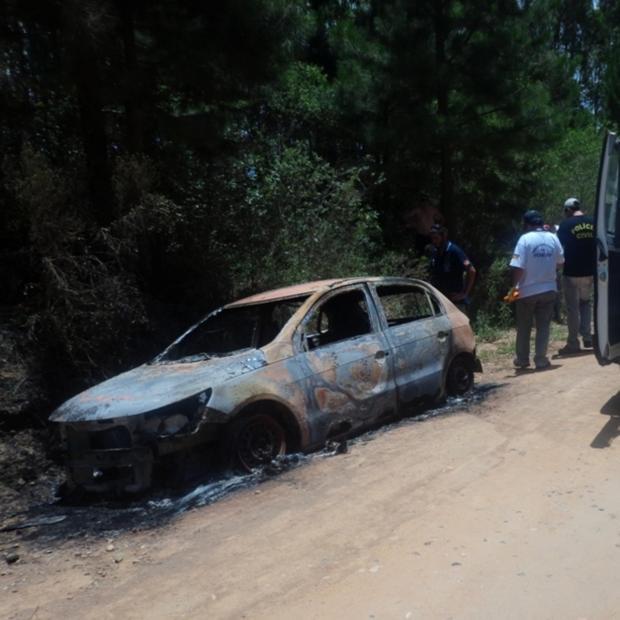 Corpos carbonizados são encontrados em carro em Canguçu Diego Vilela/Canguçu Online/Divulgação