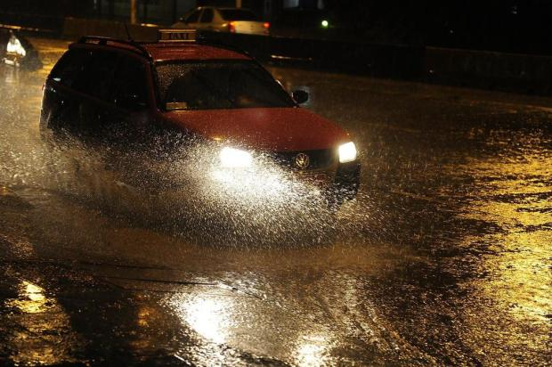 Chuva provoca transtornos no trnsito de Porto Alegre Ricardo Duarte/Agencia RBS