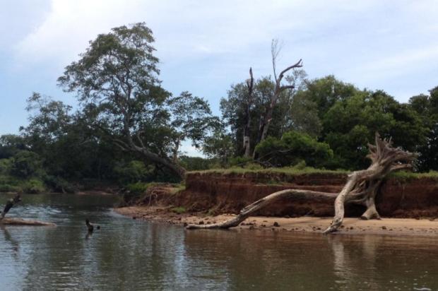 Dragagem ilegal no Rio Jacuí é responsável pelo sumiço de mais de 100 praias nas últimas décadas Fábio Almeida/RBS TV