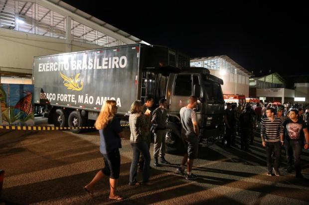 Corpos que ainda aguardam a chegada das famílias serão abrigados em caminhões frigoríficos Emerson Souza/Agencia RBS