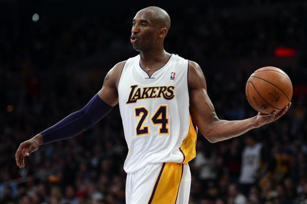 Astros do Lakers postam mensagens sobre a tragédia de Santa Maria Harry How//Getty Images/AFP