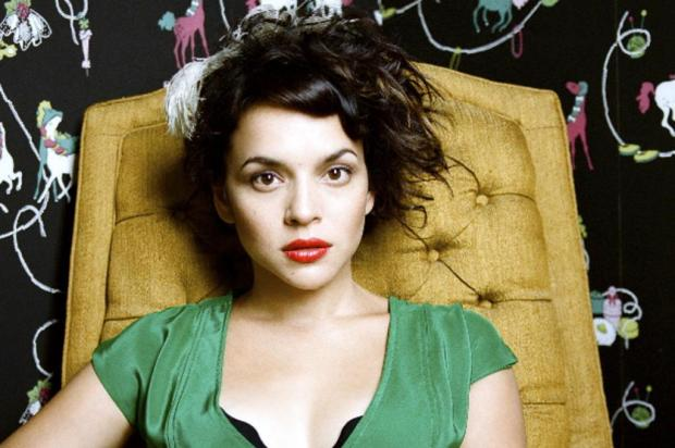 Norah Jones vai cantar a música tema do filme 'Ted' no Oscar 2013 Autumn De Wilde/Divulgação