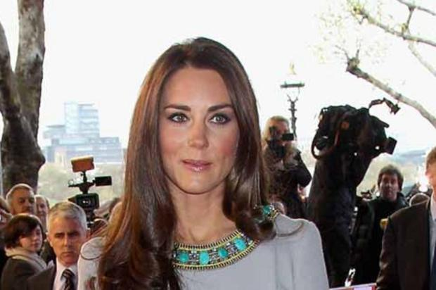 Kate Middleton procura por jeggins em loja de Londres POOL / Chris Jackson/AFP PHOTO