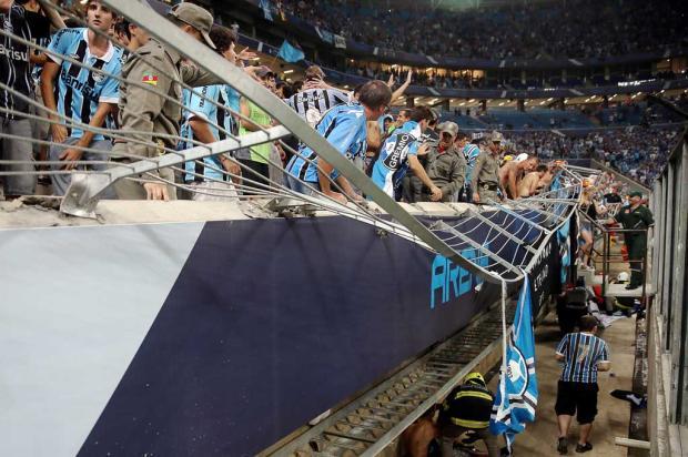 Conmebol multa o Grêmio em US$ 35 mil por incidente na Arena, mas não tira mando de campo do clube Jefferson Bernardes/AFP/