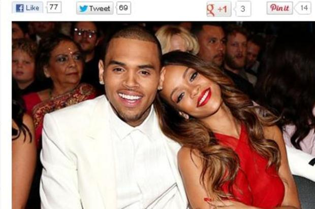 Rihanna e Chris Brown trocam carcias no Grammy Reproduo/US Weekly