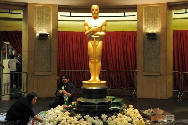Hollywood se prepara para uma festa do Oscar imprevisível JOE KLAMAR/AFP