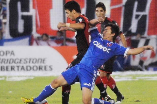 Universidad de Chile vence Newell's e assume a liderança do grupo 7 Jose Granata, AFP/