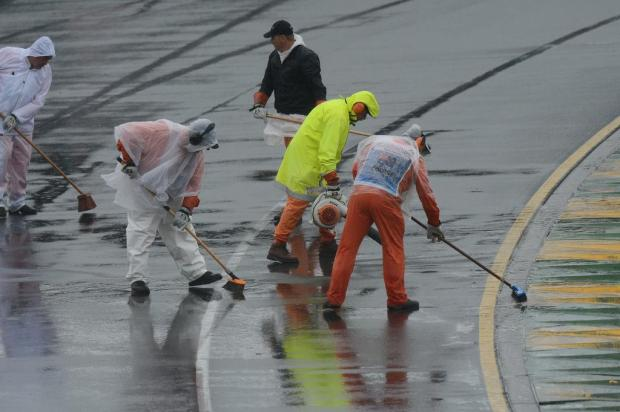 Chuva adia treino classificatório do GP da Austrália de Fórmula-1 Greg Wood/AFP