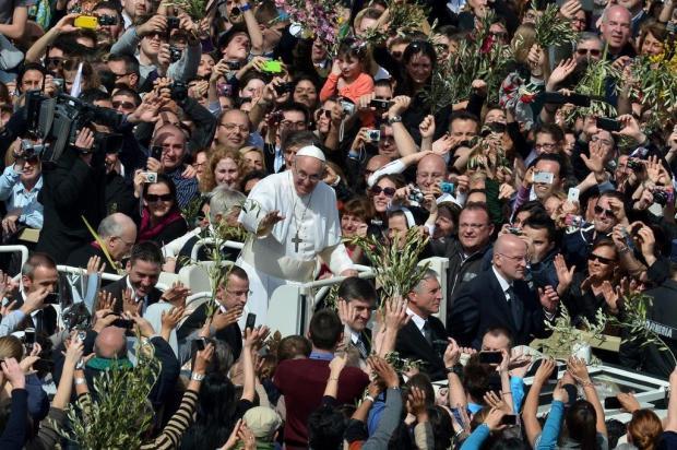 Papa Francisco confirma viagem ao Brasil durante missa do Domingo de Ramos Gabriel Bouys/AFP